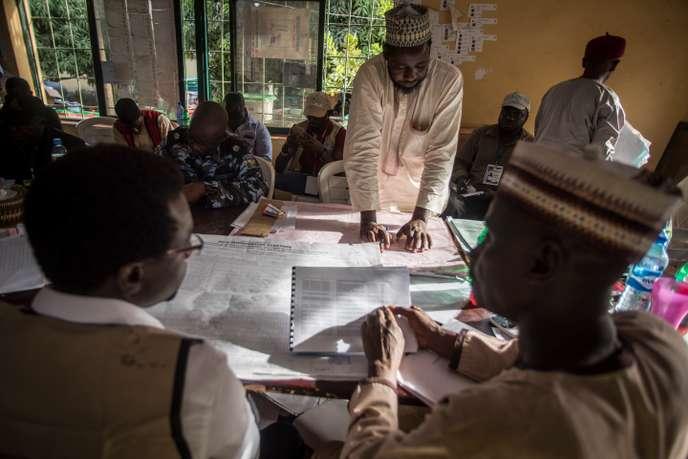 Elections au Nigeria : dans l'attente des résultats, les deux clans se disent vainqueurs