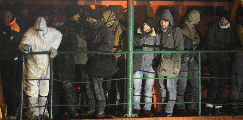 Un cargo chargé de migrants peut rapporter 1 million de dollars