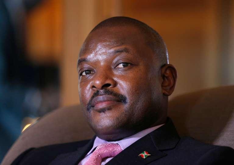 Au Burundi, Pierre Nkurunziza renonce à la présidence à vie… pas à la monarchie