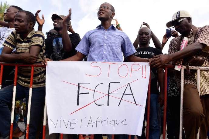 « Le débat récurrent sur le franc CFA finit par écorner l'image et l'honneur de la France »