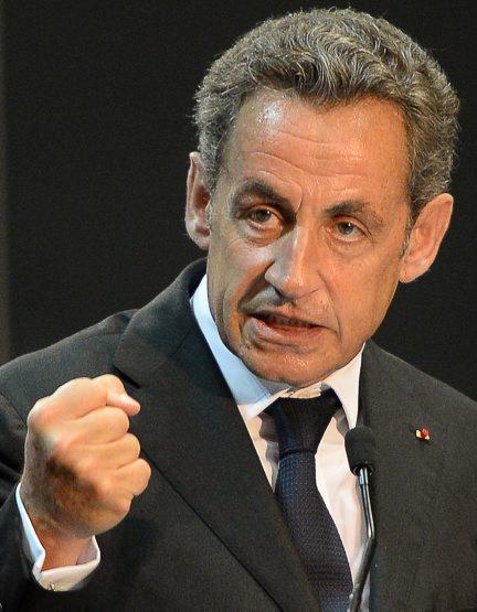 Sarkozy : la dégringolade face à Juppé