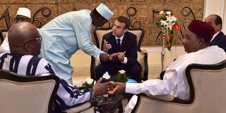 « Emmanuel Macron saura-t-il éviter le piège de l'unilatéralisme en Afrique ? »