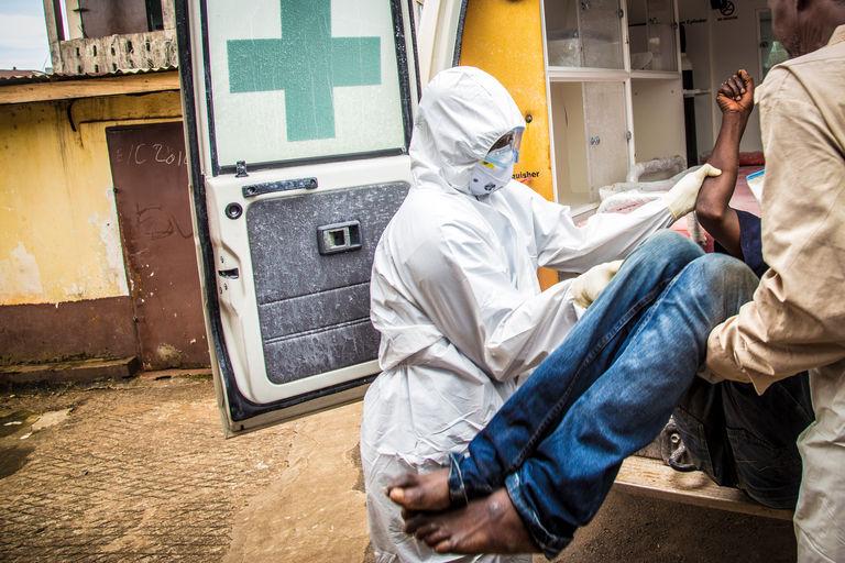 Les pays frappés par Ebola demandent l'annulation de leur dette