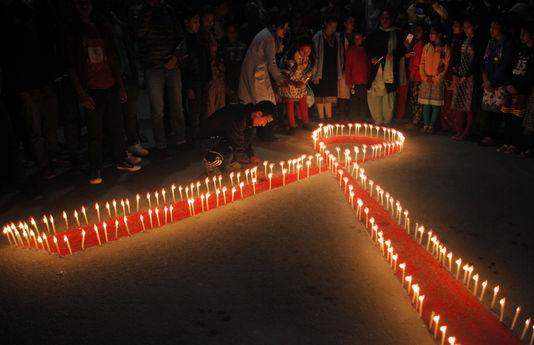 Sida : en France, l'épidémie de VIH ne recule pas