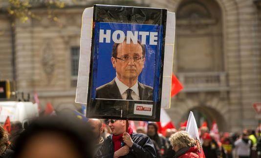 Sondage : la jeunesse tourne le dos à François Hollande