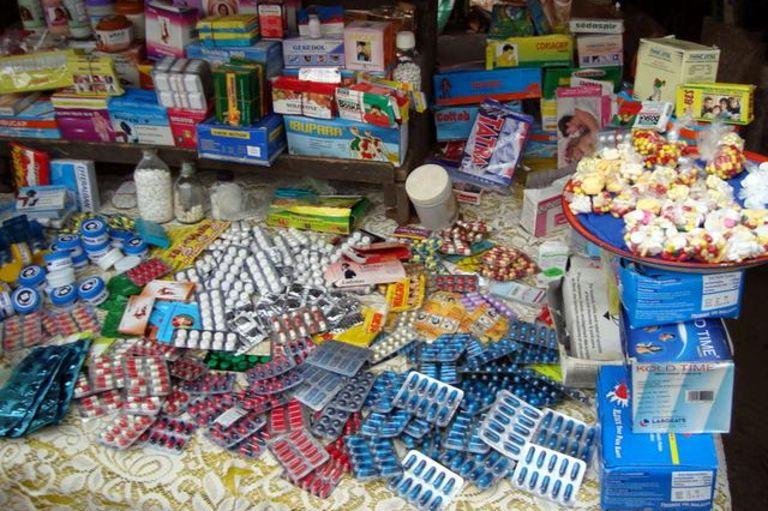 ENQUÊTE / A Cotonou, la pharmacie à ciel ouvert où prospère le trafic de faux médicaments