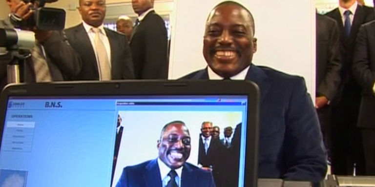 RDC : la piste du scandale des passeports biométriques mène au clan Kabila