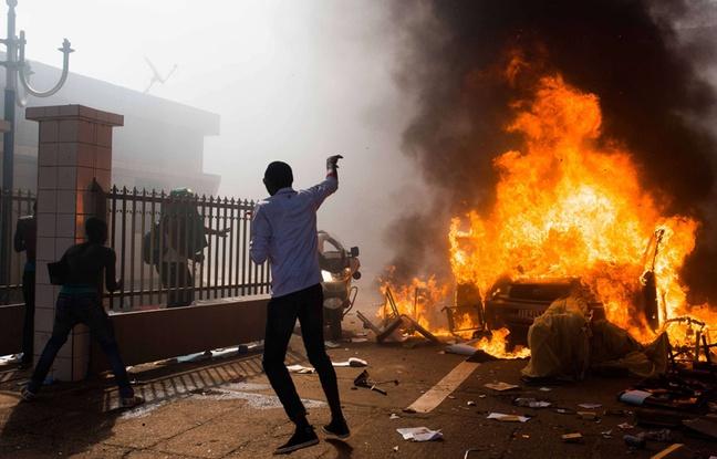Burkina Faso: L'armée prend le pouvoir et instaure un couvre-feu national