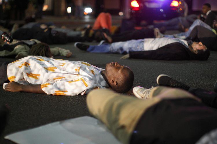 Dans la rue, la vie des jeunes Afro-Américains ne vaut pas cher