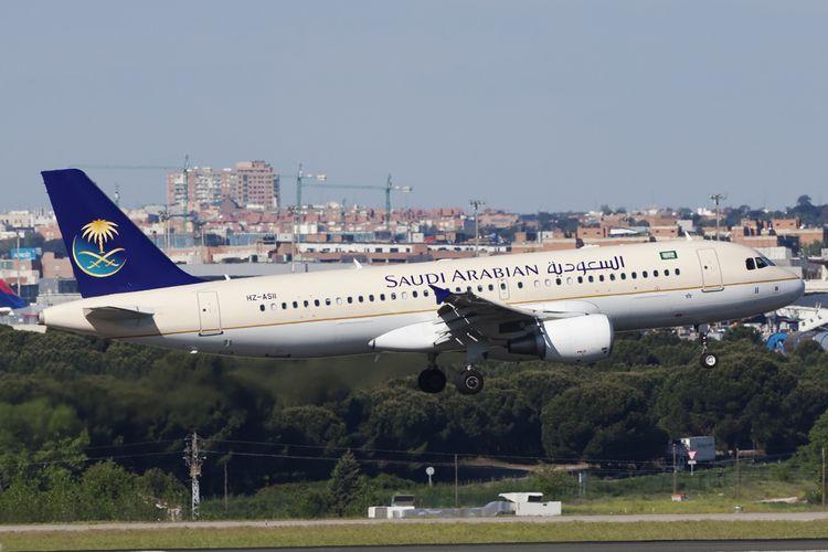Une compagnie aérienne saoudienne veut séparer hommes et femmes à bord de ses vols