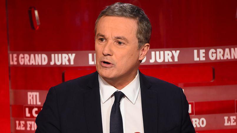 Dupont-Aignan dénonce l'Europe de Merkel