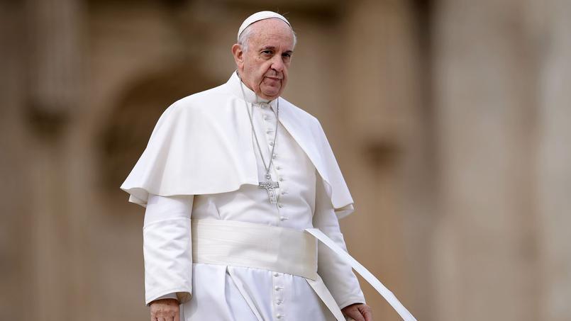 Le Vatican dément les rumeurs sur la santé du Pape
