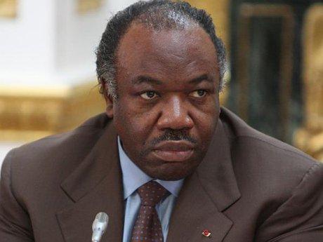 Gabon : l'Etat porte plainte contre Pierre Péan