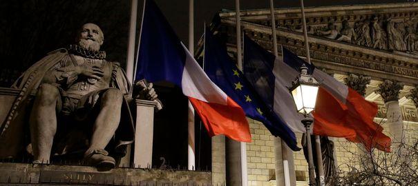 Charlie Hebdo: FN exclu, unité nationale brisée, récit d'un fiasco