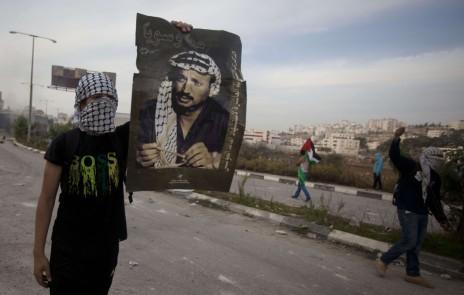 Contre la théorie du complot : ce que l'on sait sur la mort d'Arafat