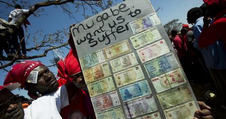 Toujours plus pauvre, le Zimbabwe imprime ses propres dollars américains