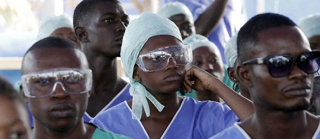 Ebola : confinement immédiat pour tout le nord de la Sierra Leone