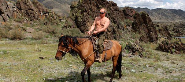 Malgré le crash du rouble, Poutine reste adulé par les Russes