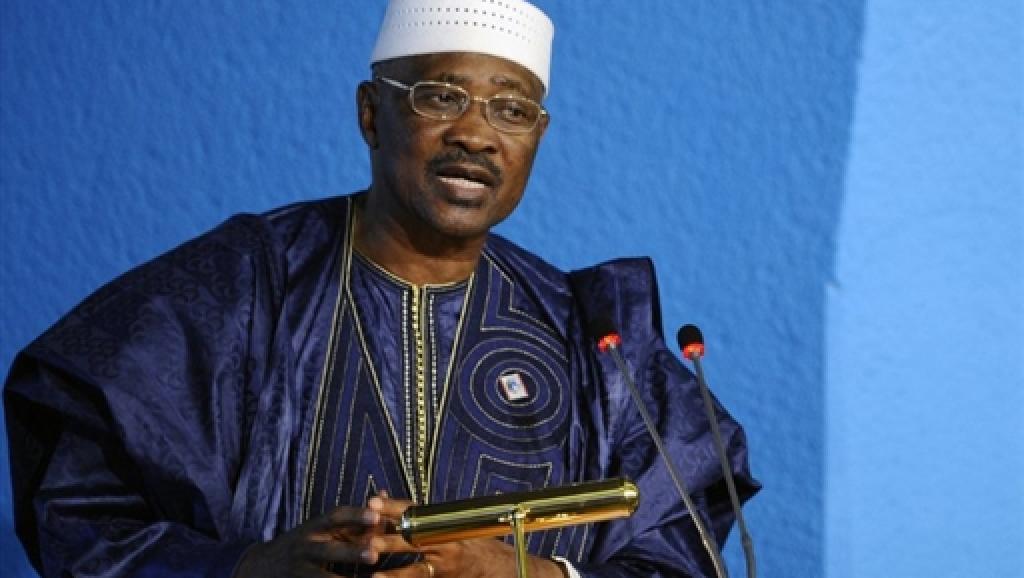Au Sénégal, l'ex-président malien ATT interrogé sur un fonds libyen